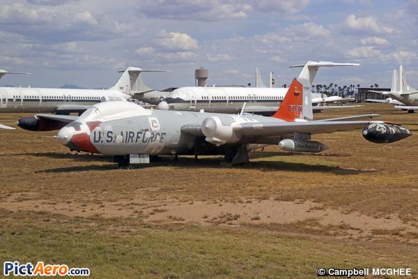 Martin EB-57B Canberra (AMARG)