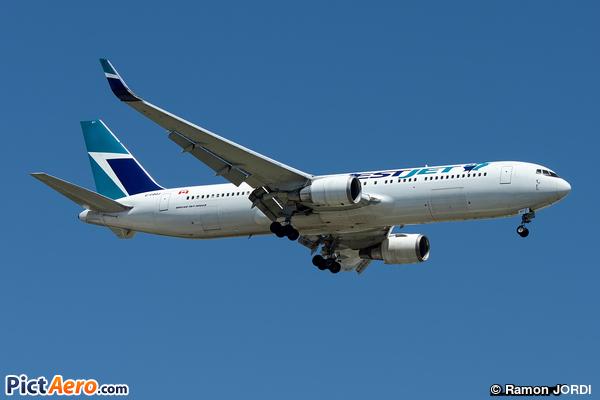 Boeing 767-338/ER (WestJet Airlines)