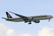 Boeing 777-312/ER (9V-SNB)