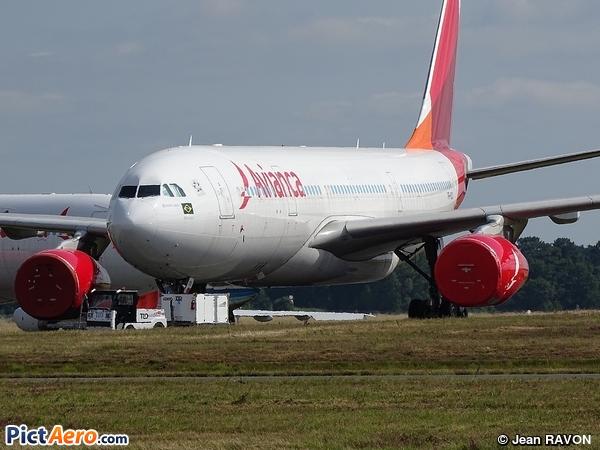 Airbus A330-243 (Avianca Brasil)