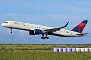 Boeing 757-26D (N819DX)