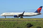 Boeing 757-251 (N545US)