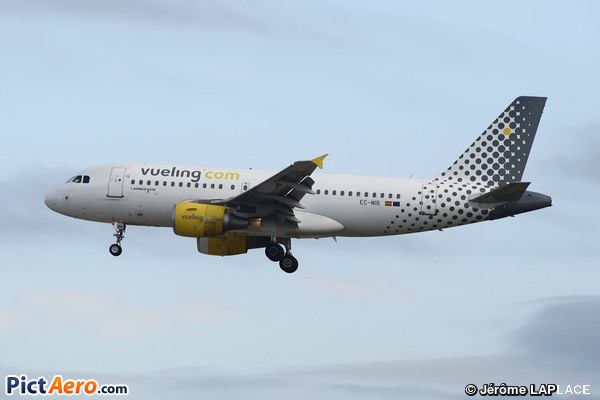 Airbus A319-111 (Vueling Airlines)