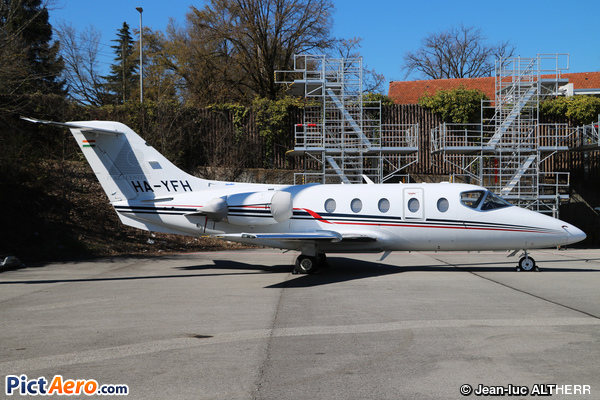 Raytheon Hawker 400XP (Jetstream 2004 Ltd.)