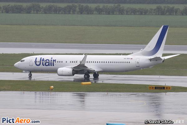 Boeing 737-8S3/WL (UTAIR)