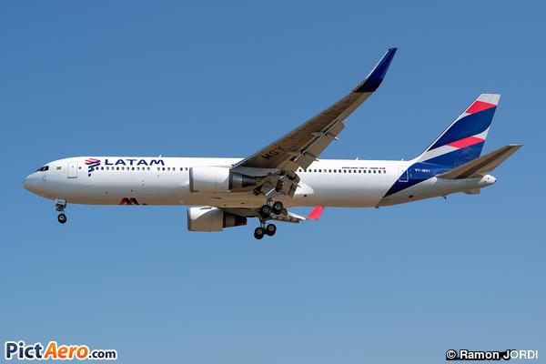 Boeing 767-316/ER (LATAM)