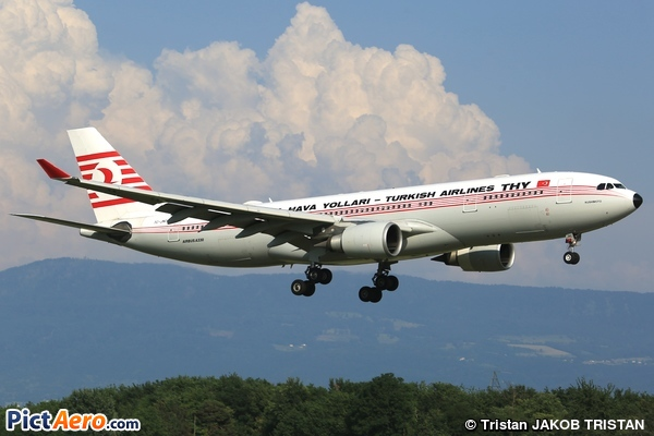Airbus A330-203 (Turkish Airlines)