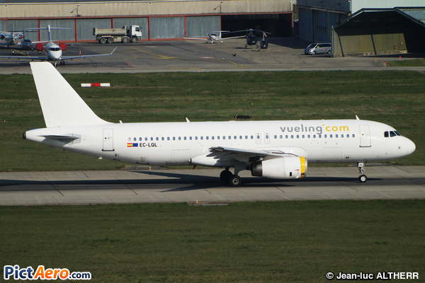 Airbus A320-232 (Vueling Airlines)
