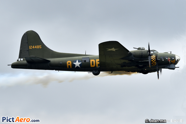 Boeing B-17G (The B17 Préservation)