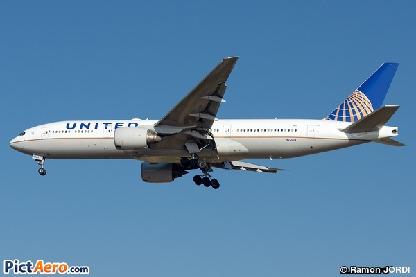 Boeing 777-222/ER (United Airlines)