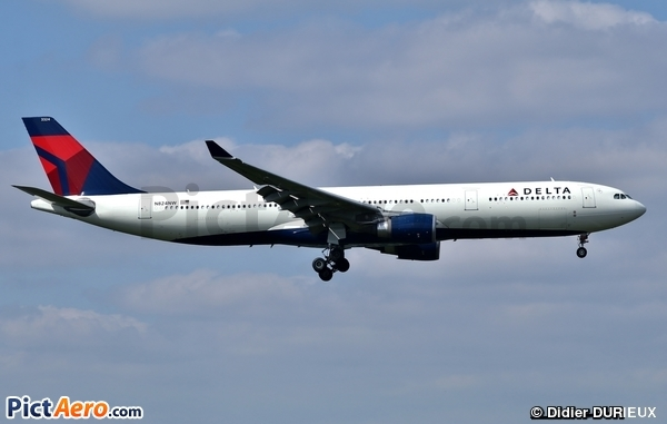Airbus A330-302 (Delta Air Lines)