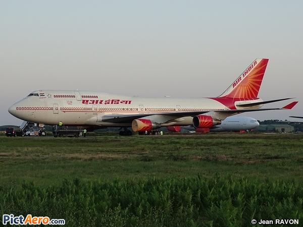 Boeing 747-437 (Air India)