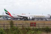 Boeing 777-31H/ER (A6-ECS)