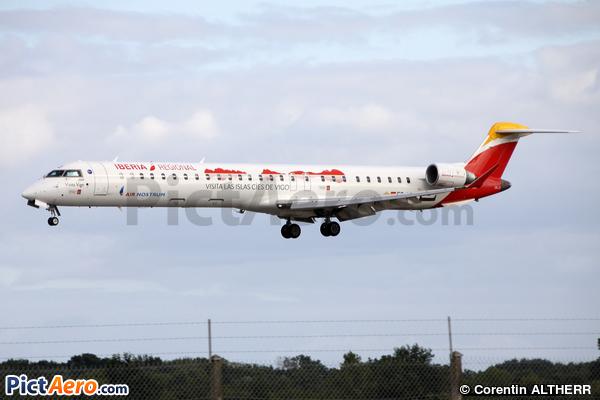 Canadair CL-600-2E25 Regional Jet CRJ-1000 (Air Nostrum)