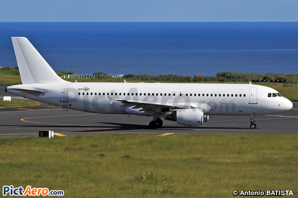 Airbus A320-214 (Smart Lynx Estonia)