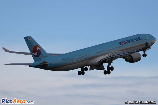 Airbus A330-323 (Korean Air Lines)