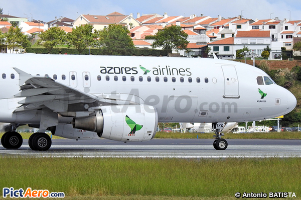 Airbus A320-214 (Azores Airlines)