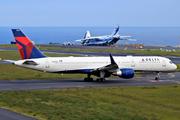 Boeing 757-251/WL