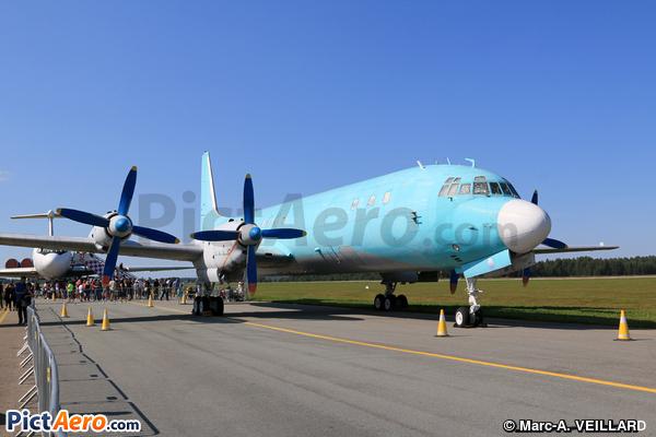 Iliouchine Il-18D (Sky Guinee Airlines)