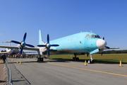 Iliouchine Il-18D - 3X-GGU