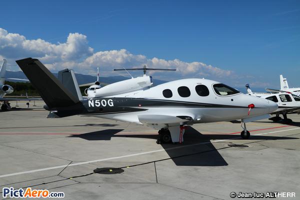 Cirrus Vision SF50 (Private / Privé)