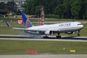 Boeing 767-322/ER (N669UA)