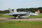 McDonnell Douglas F/A-18D Hornet (J-5233)