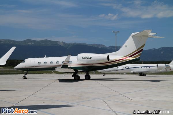 Gulfstream G450 (Axella 2 LLC)