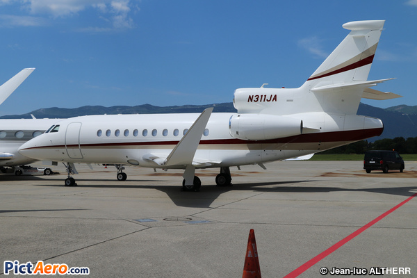 Dassault Falcon 900 LX (EHC Holdings LLC, Birmingham MI)