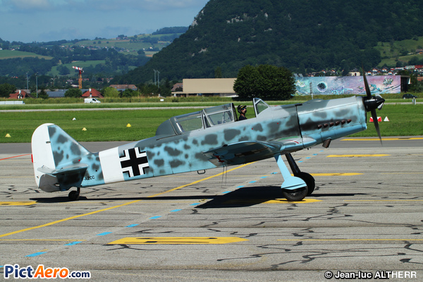 Pilatus P2-05 (Bourret Jacques)