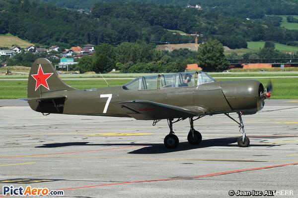 Yakolev Yak-18A (Franceschetti François)