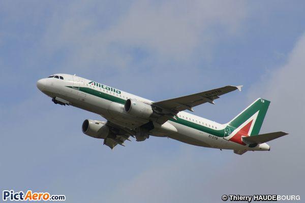 Airbus A320-216/WL (Alitalia)
