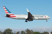 Boeing 767-323/ER (N392AN)
