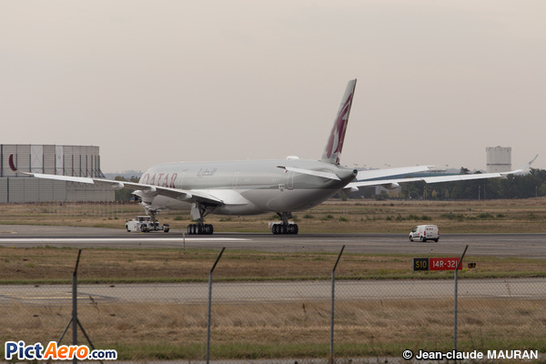 Airbus A350-1041 (Qatar Airways)
