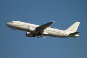 Airbus A320-214 (HZ-A3)
