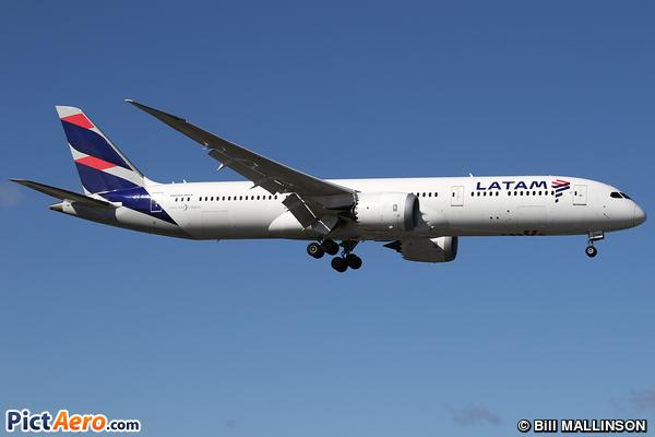 Boeing 787-9 (LAN Airlines)