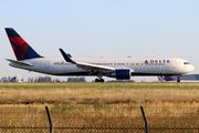 Boeing 767-332/ER (N178DZ)