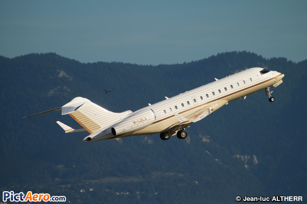 Bombardier BD-700 1A10 Global Express XRS (TAG Aviation )