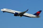Boeing 757-232/WL (N693DL)