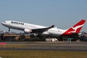 Airbus A330-201` (VH-EBB)