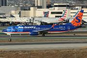 Boeing 737-8BK/WL (N815SY)