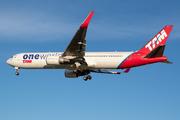 Boeing 767-316/ER (PT-MOC)