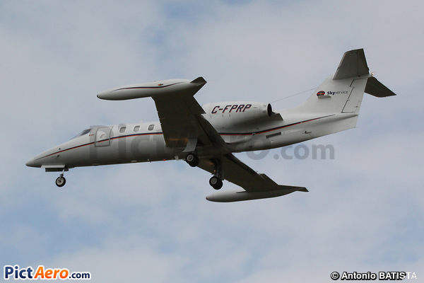 Learjet 35A (Skyservice Business Aviation)