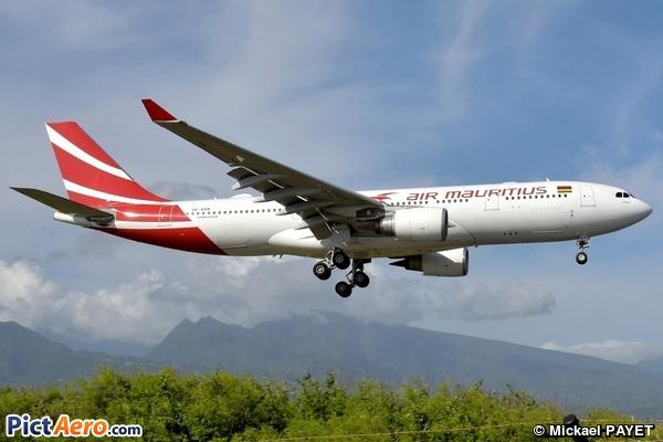 Airbus A330-202 (Air Mauritius)