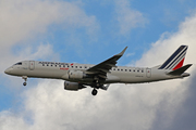 Embraer ERJ-190-100 STD (F-HBLM)