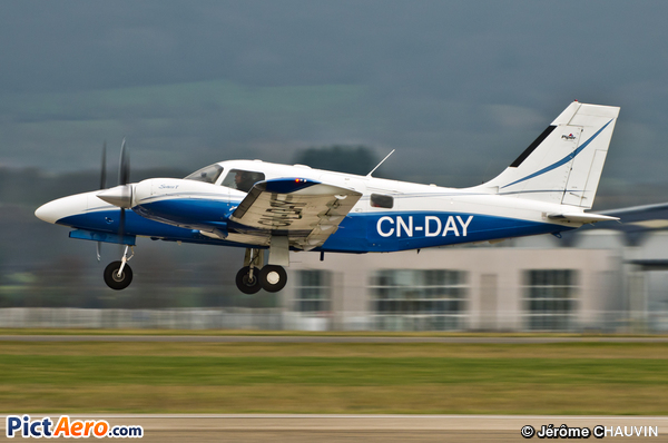 PA-34-220T Seneca V (Private)