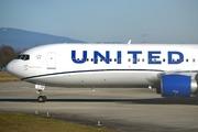Boeing 767-322/ER (N656UA)