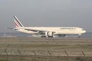 Boeing 777-328/ER (F-GSQR)
