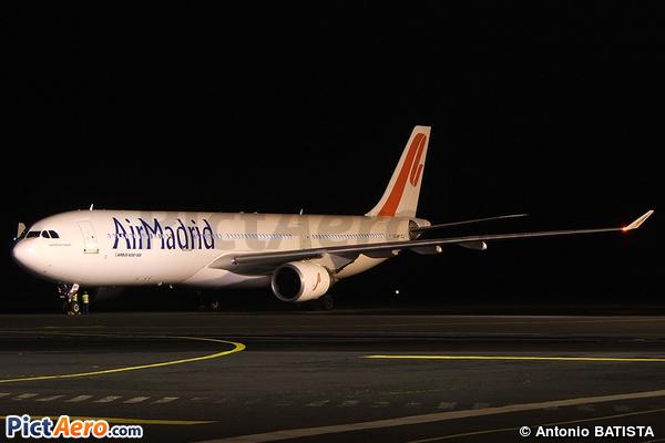 Airbus A330-301 (Air Madrid)