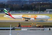 Boeing 777-31H/ER (A6-EQO)